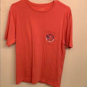 Men's vineyard vines t-shirt